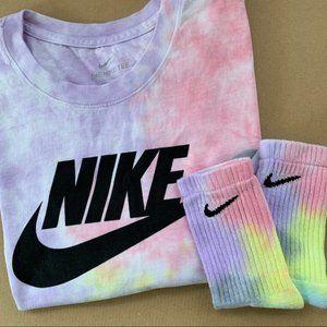 NEW Nike Pastel and Gray Tie Dye Set Shirt Socks